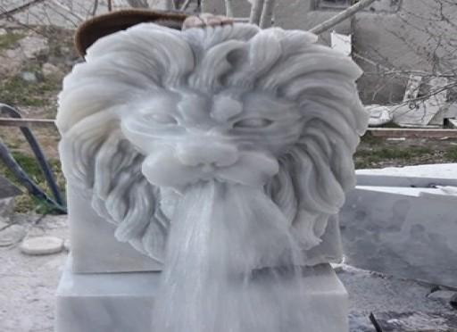 Mermer aslan başı-209