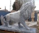 mermer aslan heykeli-808