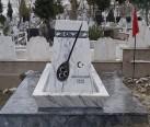 Ozan Arif Anıt mezarı- Samsun